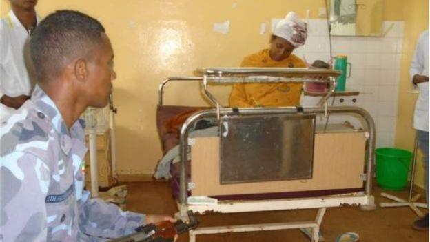Photo of Ethiopian woman gives birth and sits for exams 30 minutes later