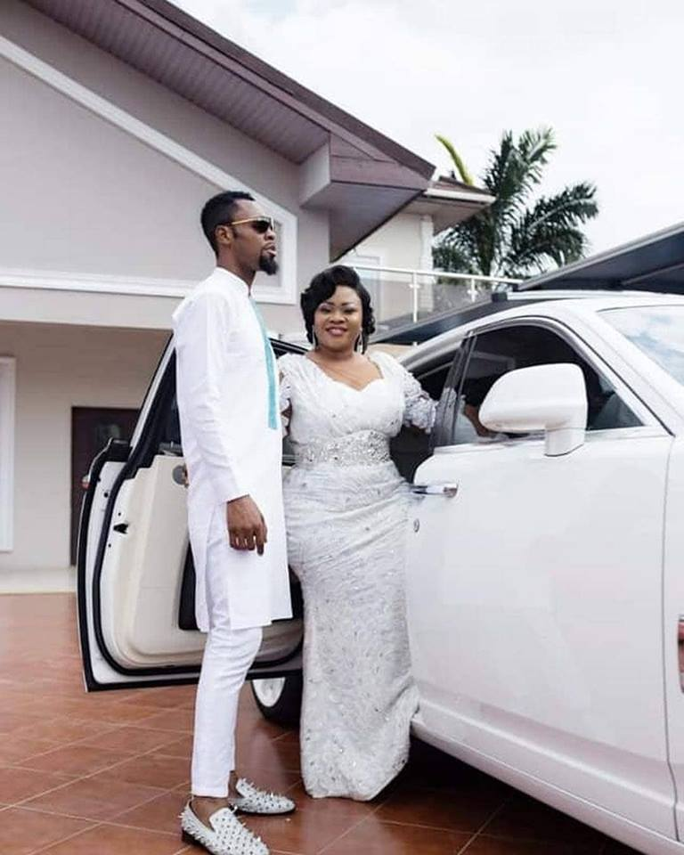 Photo of Video: Reverend Obofuor Shows Off His Car That Is Also A Mansion