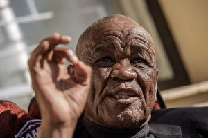 Photo of Thomas Thabane resigns as Lesotho prime minister