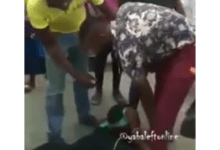Photo of CHAI! WATCH As Man Publicly Rejects His Girlfriends Marriage Proposal
