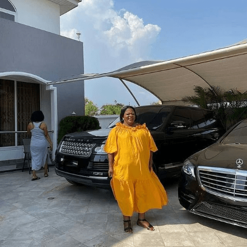 Sarkodie reportedly buys a state of the art mansion and two expensive cars for his Mother